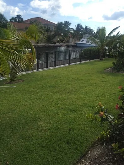 DOUBLE TOP CHANNEL FENCE