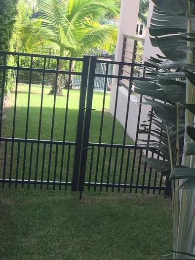Deluxe Fence