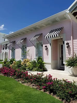 RETRACTABLE / FIXED AWNINGS